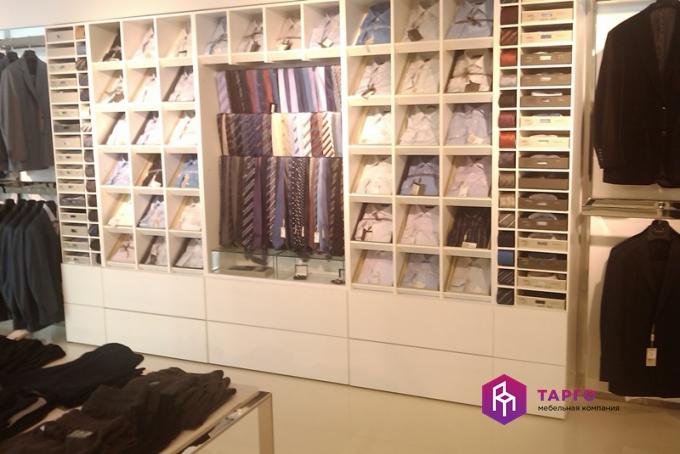 Стеллажи из ЛДСП для магазина одежды