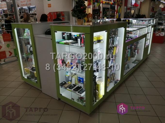 Островные витрины для мобильных аксессуаров 5.JPG