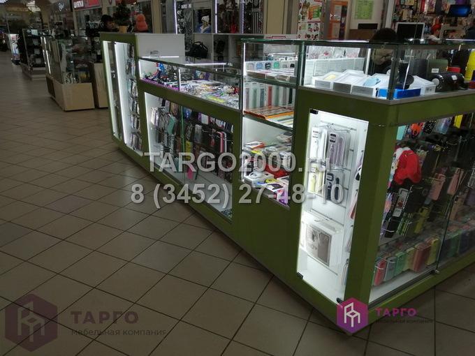 Островные витрины для мобильных аксессуаров 6.JPG