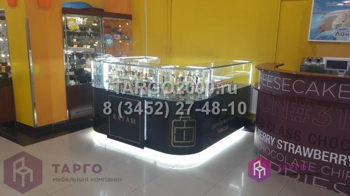 Островные витрины с гнутыми стеклами Rafam 1.JPG