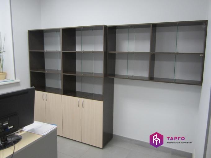 Шкафы для документов с разделителями на полках (ЛДСП венге и дуб молочный).JPG