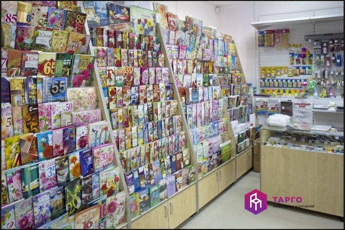 Стеллажи для открыток и журналов