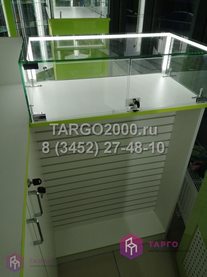 Стойка продавца в магазин чехлов 1.JPG