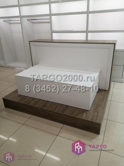 Торговое оборудование для постельного белья из ЛДСП Флидвуд .JPG