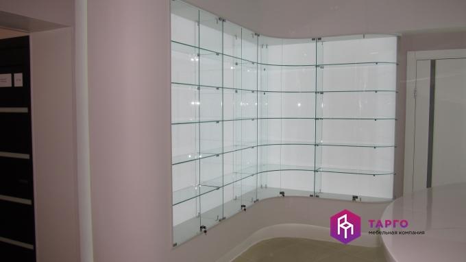 угловая витрина с гнутым стеклом.JPG